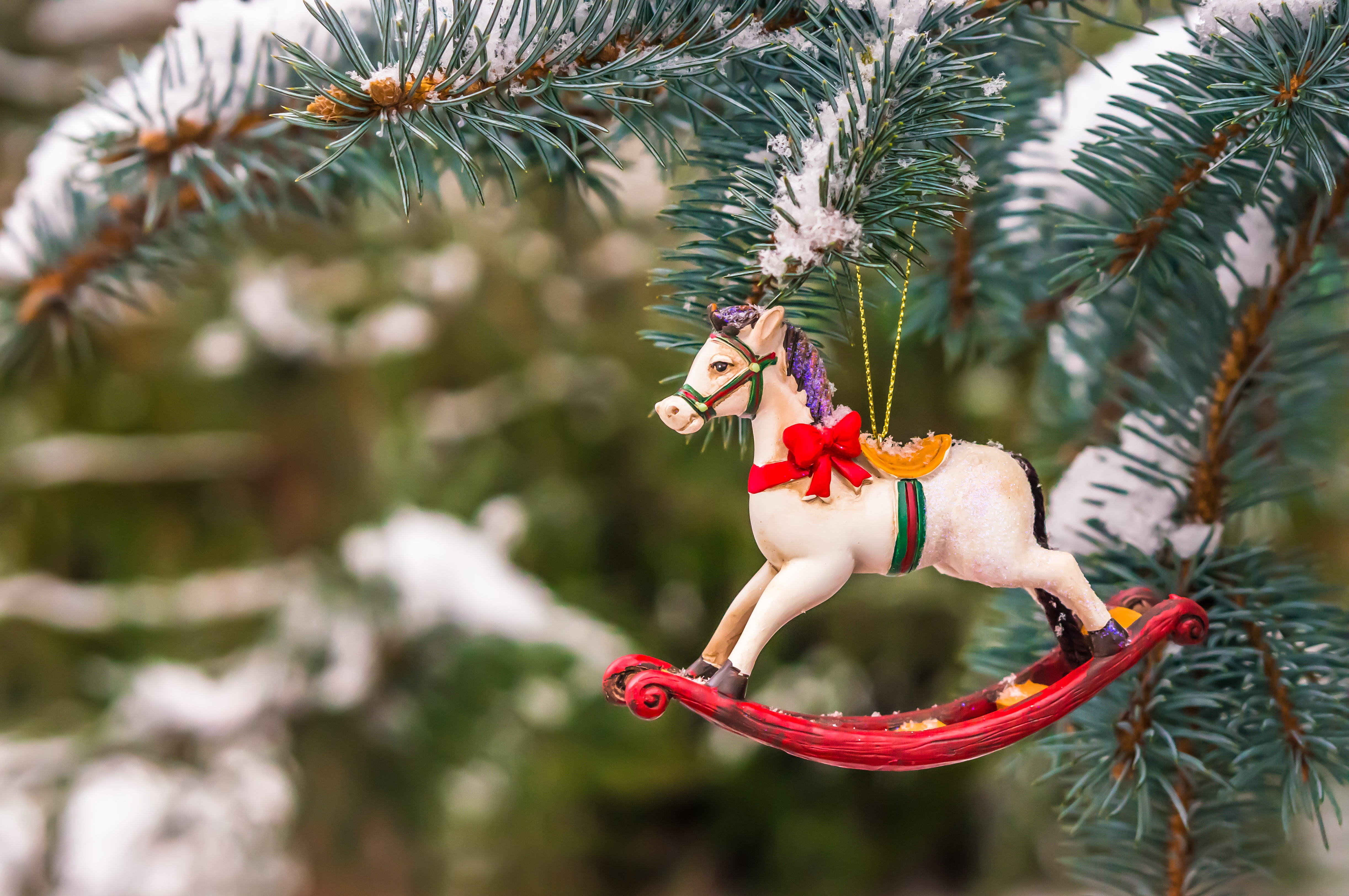 toy-ornament-christmas-crafting.jpg